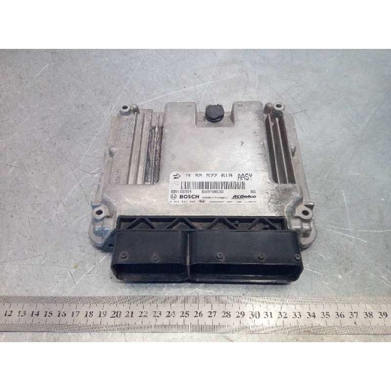 Recambio de centralita motor uce para opel insignia berlina 2.0 16v cdti referencia OEM IAM 55577619 0281017453 55575349