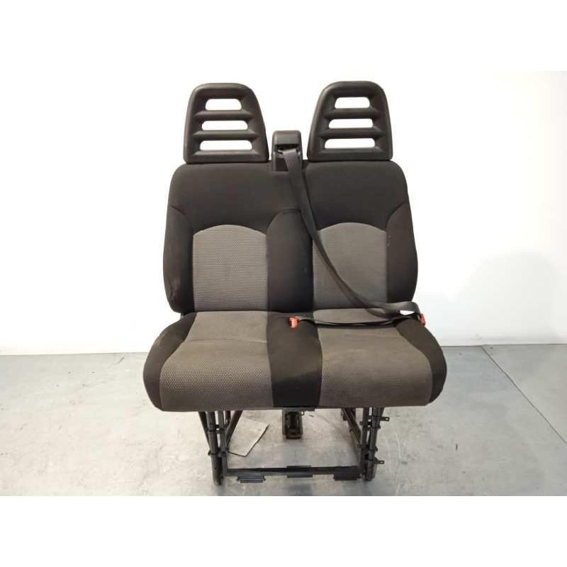 Recambio de asiento delantero derecho para iveco daily pr 2.3 diesel cat referencia OEM IAM 5801457057