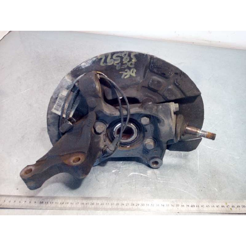 Recambio de mangueta delantera derecha para volvo xc90 2.4 diesel cat referencia OEM IAM 30683086