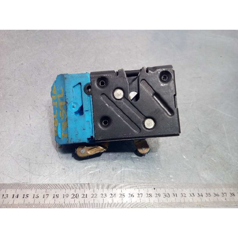 Recambio de cerradura puerta delantera izquierda para volvo xc90 2.4 diesel cat referencia OEM IAM 30634614