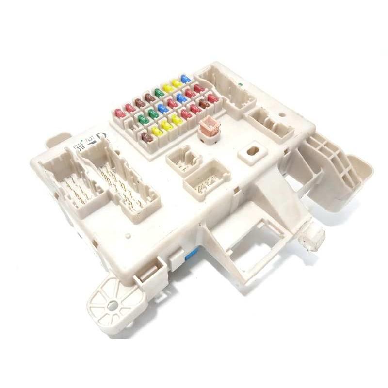 Recambio de caja reles / fusibles para toyota land cruiser (j12) 3.0 turbodiesel referencia OEM IAM 8274135110
