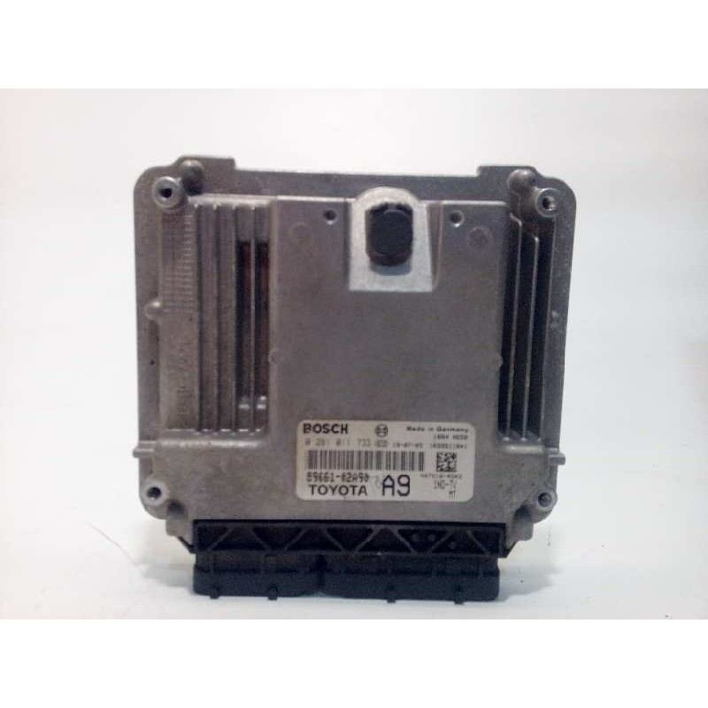 Recambio de centralita motor uce para toyota corolla (e12) 1.4 d-4d terra berlina referencia OEM IAM 8966102A90  0281011733