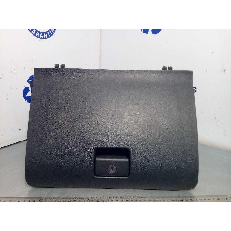 Recambio de guantera para toyota corolla verso (r1) 2.2 d-4d luna referencia OEM IAM 555500F010B0  555510F010